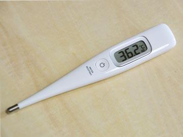 体温計測る